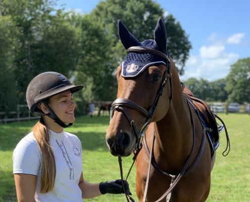 Justine Crochemore est monitrice d'équitation